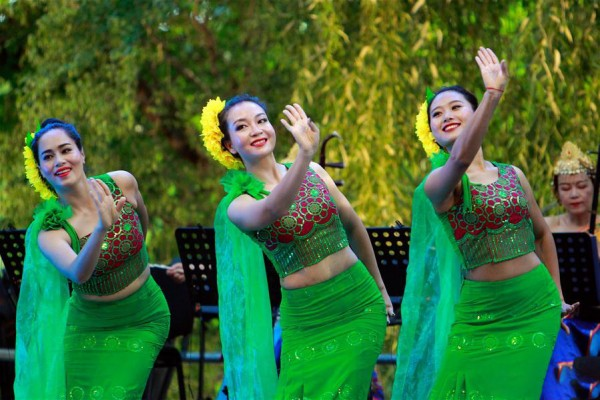 Chinese artists perform during folklore festival in Bucharest
